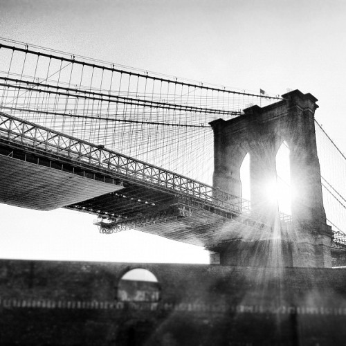 mz-q-was-here:  Fabulous Sunday. #brooklynbridge #dumbo #nyc #igersnyc #bridge #brooklyn  (Taken with Instagram)