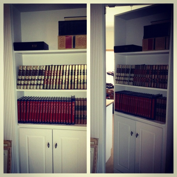 #secretroom #bookcase #crazy (Taken with Instagram)