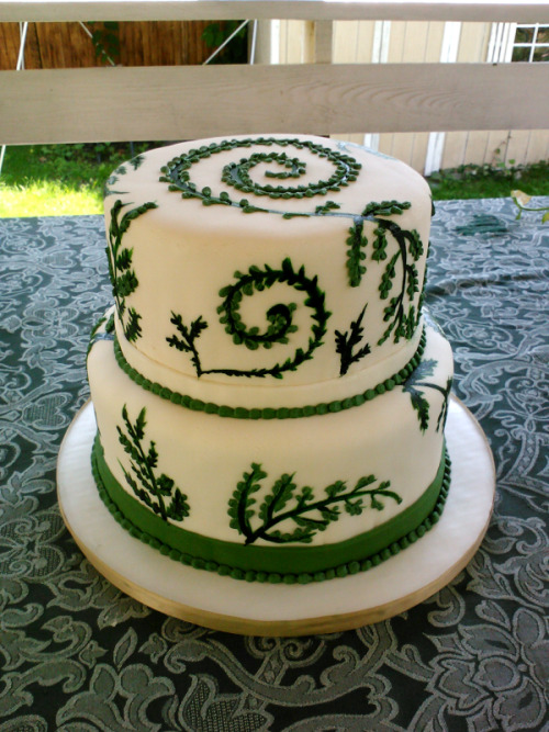 Wedding cake I did over the weekend.Didn't get a pic of the final final end result :'(