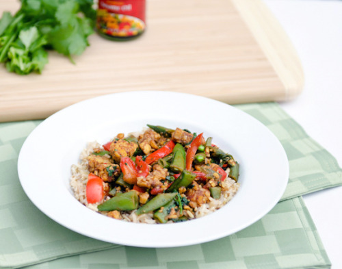 Dinner: Asian Tempeh and Sugar Snaps    http://foodfitnessfreshair.com/2012/06/11/asian-tempeh-and-sugar-snaps/