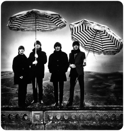 maudelynn:  The Beatles in Scotland c.1964, by Robert Whitaker via http://www.morrisonhotelgallery.com
