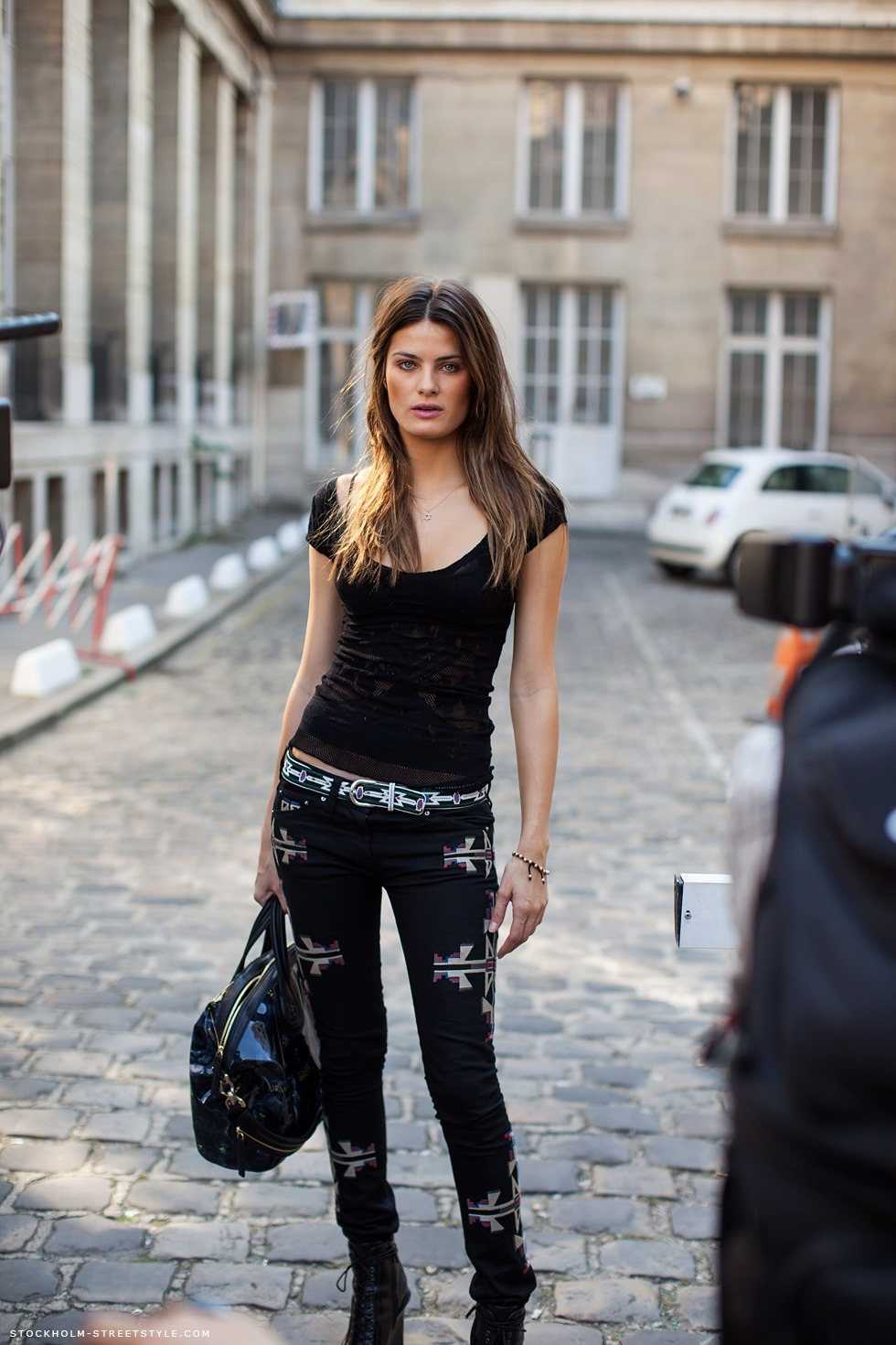 ivsmanifiesto:  Isabeli Fontana in the all black look! Isabel Marant pants. Source: carolinesmode.