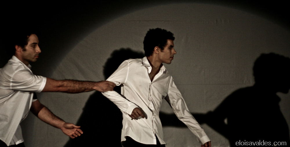 Photography from 2010. Group: GTIST. Play: Intervalo para dançar.