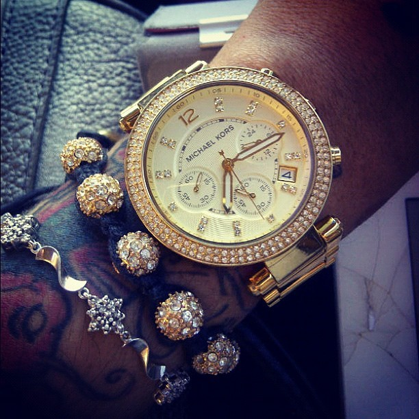 urghh i've wanted this watch for so long now, somebody rich fall in love with me and buy it please. :(