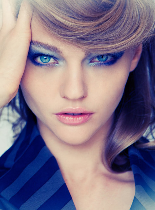 hernameiscoco:  opaqueglitter:  Sasha Pivovarova for Sure Korea  FOLLOW HERNAMEISCOCO AND ASK FOR A FOLLOW BACK :) XOXO