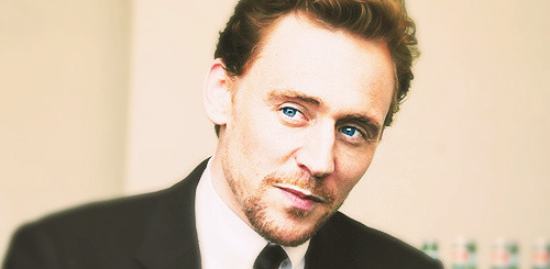 28-29/100 photos of thomas william hiddleston
