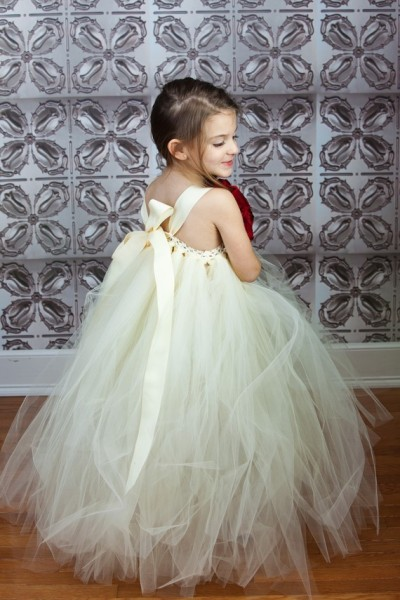 The Little Pea's Flower Girl Tutu Dress  comes with a choice of  multiple color couture peony flower clip