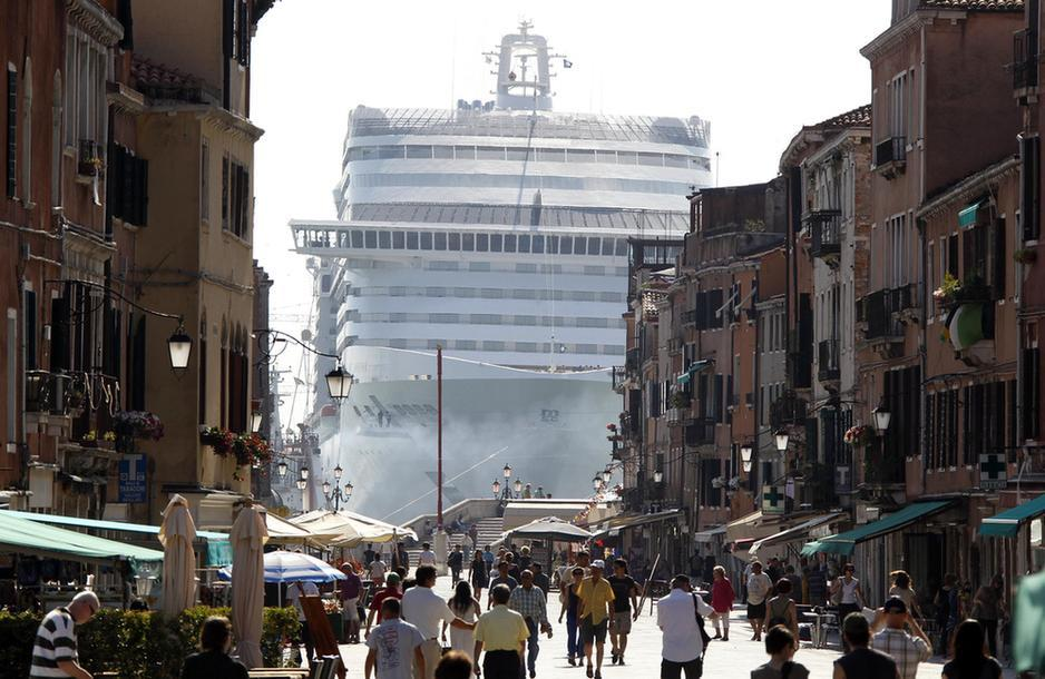 oh that? that's just an ocean liner in venice, no biggie…. i mean… yes, biggie :)