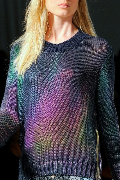 I want this sweater!!!!!!