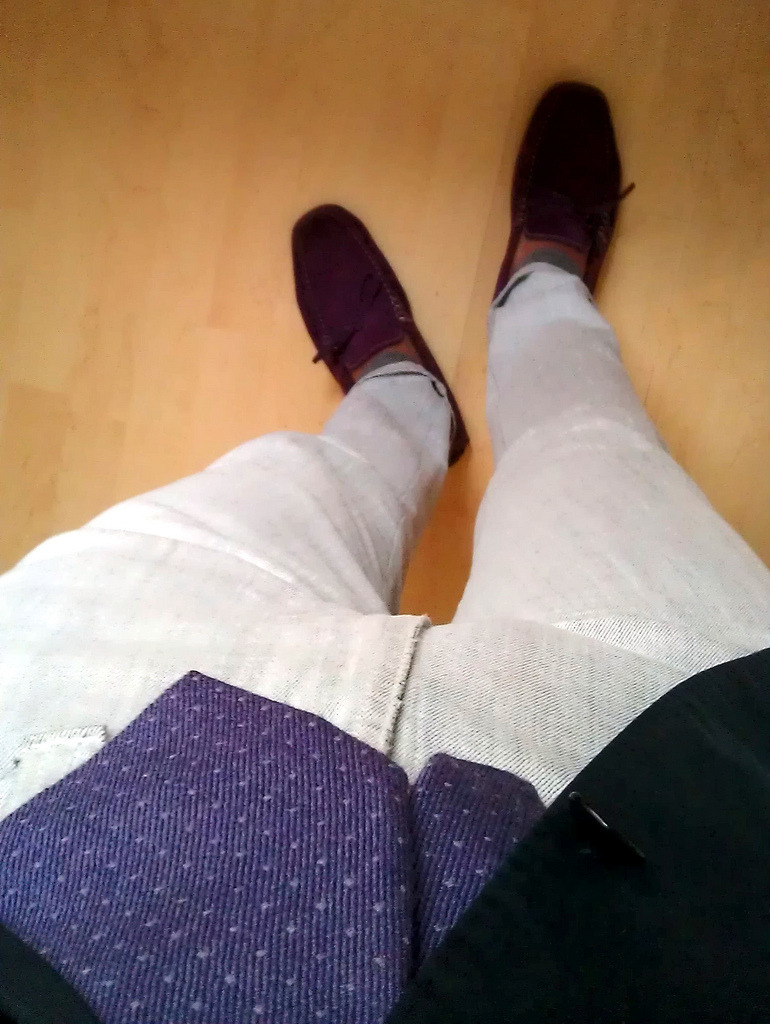 Purple, head to toe. Have a good start into the week, fellow followers!