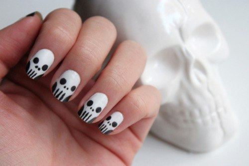 Let's do our nails