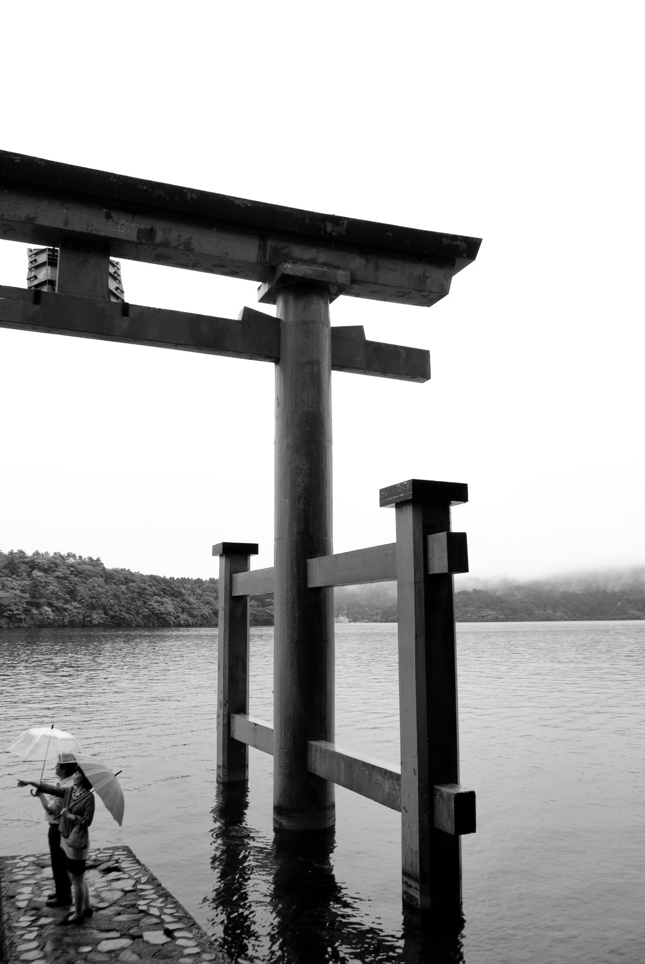 taken at Hakone jinja on Saturday. very probably one of the most beautiful places I have ever seen.