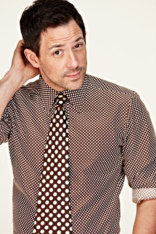 Dotted shirt and tie by Tom Ford Dot on dot works oddly well, probably because they are of the same colour. Modeled by Tony Award winner Steve Kazee.