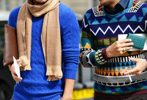 I love the Burberry sweater from the right, LFW street style.