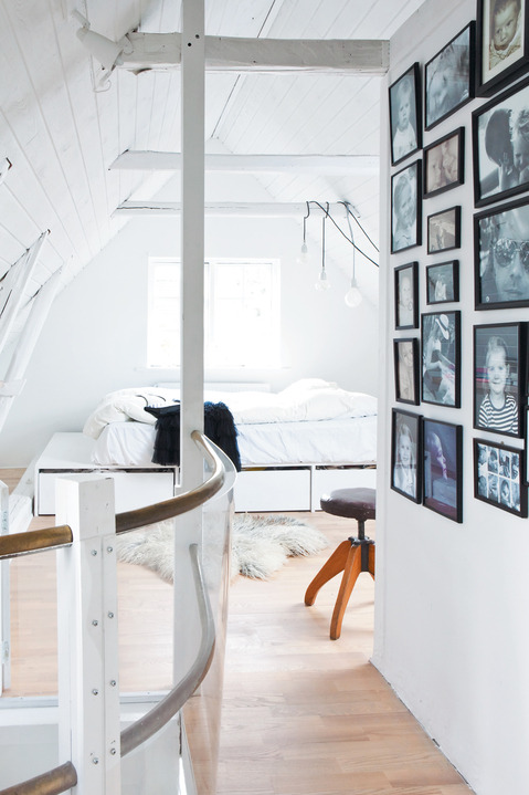 gorgeous attic platform bed (via Hygge House - Dwell)
