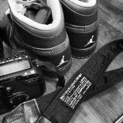During the night, taking pics for my shoes. #canon#5DMarkII#5D2#nike#dunk#AJ#Jordan#sneakers#instahub#instafame#instagood#instalove#igers#picoftheday#bestoftheday#swag#cool#awesome (Taken with Instagram)