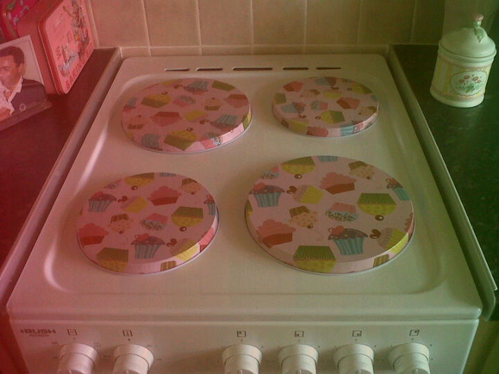 My wee kitchen :) Cupcake hob covers are easy my favourite bit of it!