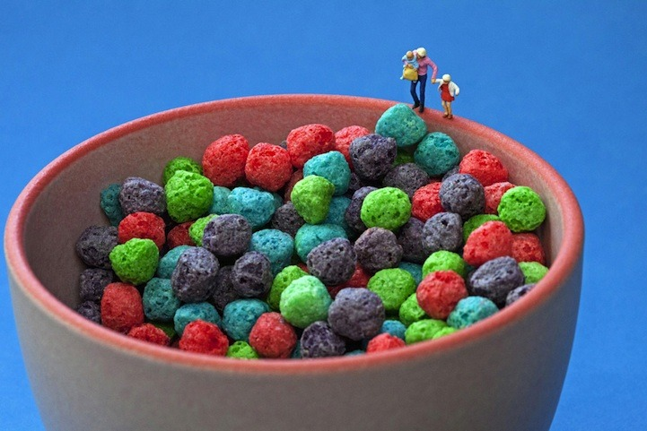 Amazing tiny food sculptures by Christopher Boffoli