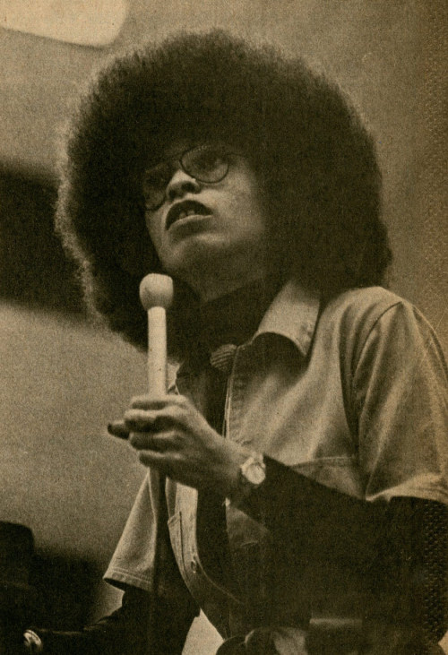 kneehighsandlove:  Angela Davis comes to Appleton, Wisconsin. Photo by Philip Michael Walker for Bugle American (1976)