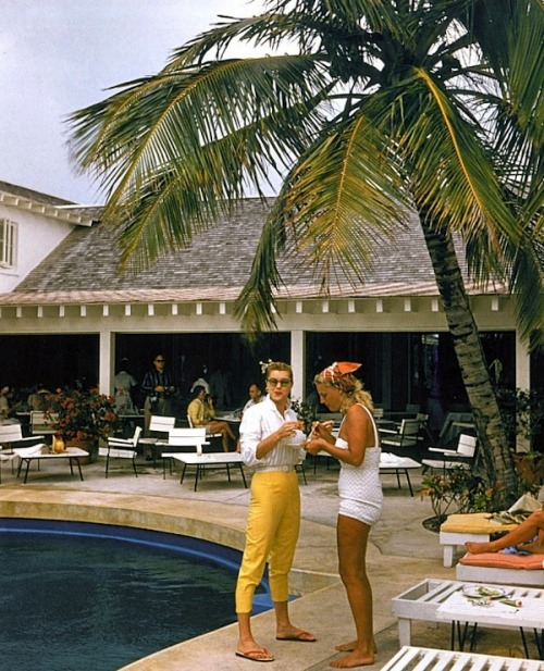 (via Slim Aarons (1916 – 2006, New York) – Lifestyle, Jetset and Celebrity Photography from the 1950ies/1960ies > Fashion / Lifestyle, Film-/ Fotokunst, Gossip, Serien > 50ies, 60ies, dope, foto series, lifestyle, photography, pictures)