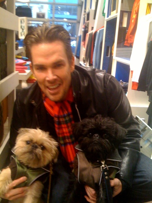 Angus & Paco with Mark McGrath of the band Sugar Ray shopping in Soho.