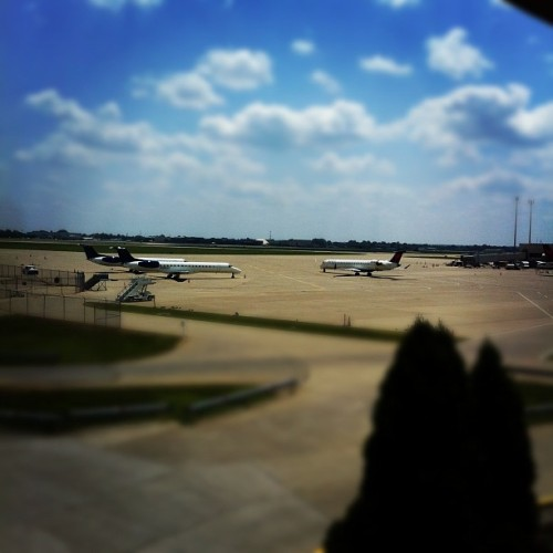 Taken with Instagram at Louisville International Airport (SDF)