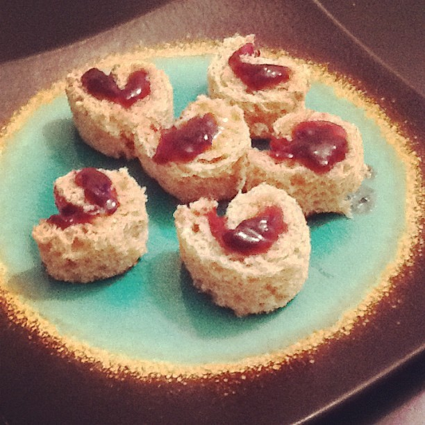 PB&J maki rolls! #kids #makirolls #fauxsushi (Taken with Instagram)