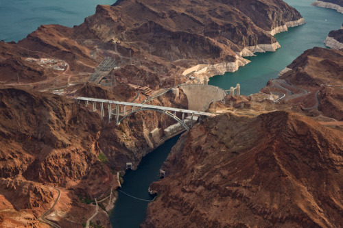 razorshapes:  The Bridge at Hoover Dam by Jamey Stillings