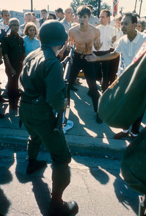 An Illinois National Guardsmen in an altercation with civil rights counter demonstrator Jerry Gasiorowski in Cicero, Illinois, c. 1966. Photograph by Declan Haun. Want a copy of this photo?  > Visit our Rights and Reproductions Department and give them this number: ICHi-36734 Connect with the Museum