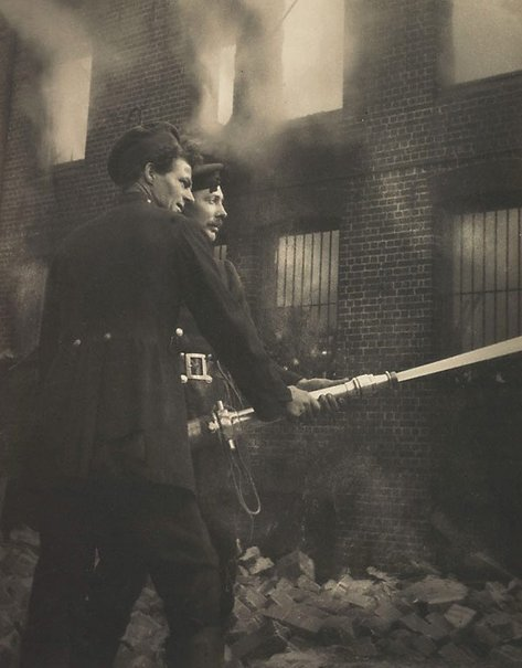 holdthisphoto:  Boys with hose, fire at Redfern, 1919 by Harold Cazneaux