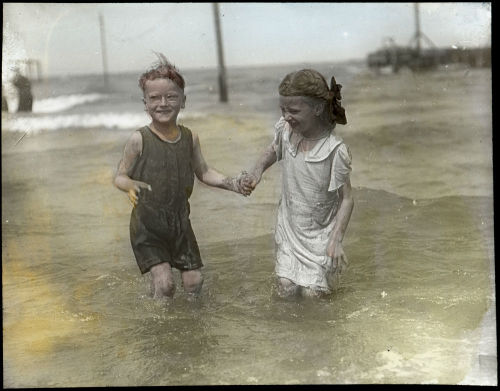 A boy and girl swimming, c. 1920. Photographer unknown. Want a copy of this photo?  > Visit our Rights and Reproductions Department and give them this number: ICHi-37256 Connect with the Museum