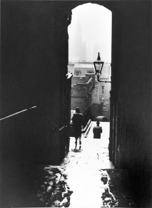 mondonoir: Norman Parkinson, Edinburgh, c. 1950; printed later