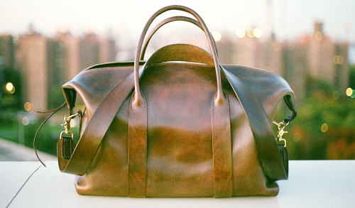 whereisthecoool:  Cavalier Leather Duffle