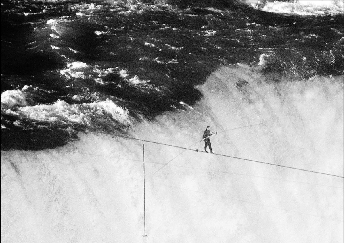 1000scientists:  Nik Wallenda makes history crossing Niagra Falls