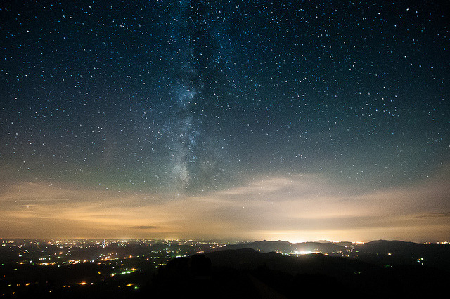 landyscape:  Milky Way Over Roanoke, VA by jon_beard on Flickr.