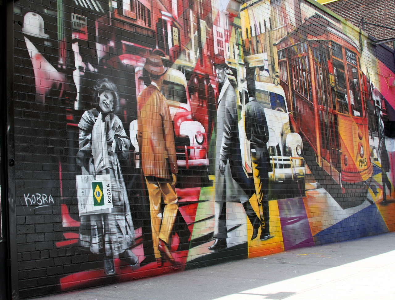 thedustyrebel:  Eduardo Kobra Mural of Vintage NYC Chelsea, NYCSee the Kobra's larger mural just above this of Alfred Eisenstaedt's photo, V-J Day in Times Square.