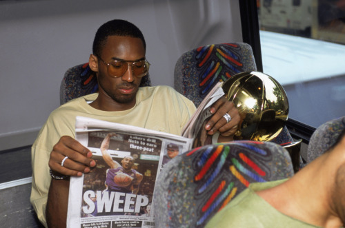 nba:  June 12, 2002: Lakers sweep Nets 4-0 in 2002 NBA Finals. (Photo by Andrew D. Bernstein /NBAE/Getty Images)   K O B E