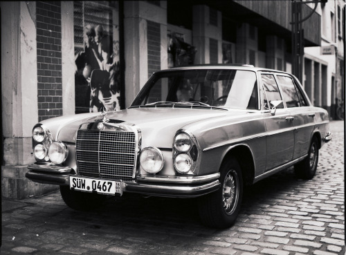 Mercedes-Benz 280 SE (1969) I keep showing appreciation for the SL's passionate design, and very rarely these saloons (quite literally saloons). It just so happens that I saw one of these a few days ago, while driving back from the beach on a very sunny day. I never accounted for the cool factor these W108 have when properly maintained. I was green with envy and immediately wanted to sell my car.