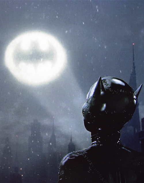 The final shot of the film, in which Catwoman is seen looking at the Bat-signal, was added as an afterthought, literally weeks before the film opened. The shot had to be filmed on a weekend, less than a day after conception, with a double for Michelle Pfeiffer. That single shot cost $250,000.