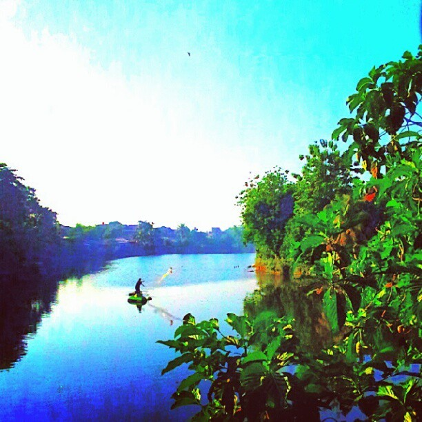 Between blue, green and fishing… #instamood #instadroid #instagramers #fishing #indonesia #lake #instaaaaah #shotoftheday #popularbyus #popular #instagramdroid  (Taken with Instagram at Danau Pamulang)