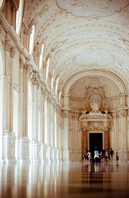 4kingdoms:  (via venaria è meglio di versailles | Flickr - Photo Sharing!)