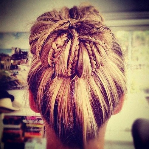 and mine …  jackslovely:  Someone come do this to my hair