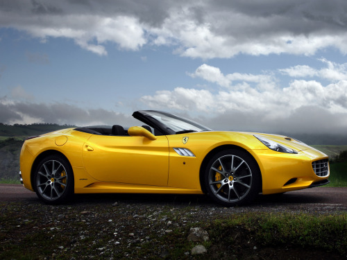 2012 Ferrari California 30.