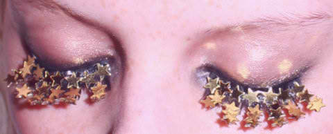 Would you ever rock a pair of Star Eyelashes? Pesonally, I would!