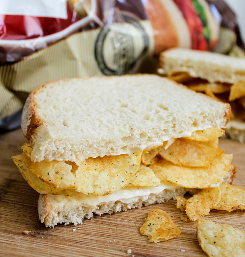 BLT-Flavored Lay's Potato Chips Sandwich