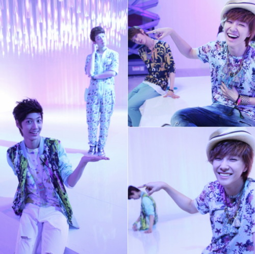 [News] Boyfriend revealed their witty photos to the public. Cr: etoday.co.kr