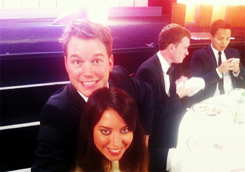 Aubrey Plaza and Chris Pratt at the Critic's Choice Awards (x)