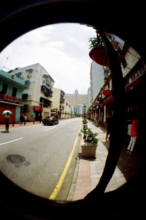 Asia in Fisheye [14]: A street in Macau (澳門).