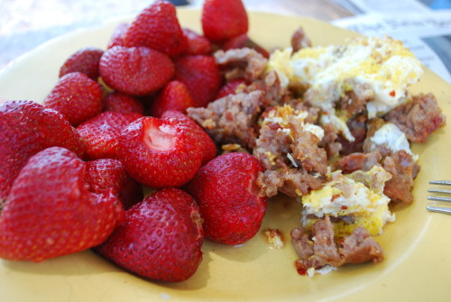 sausage and egg scramble with strawberries…welcome to my sunday mornings