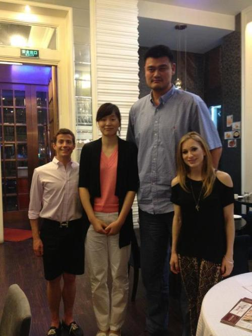 skyycaptain:  Joannie Rochette and Jeffrey Buttle dine with Yao Ming and his wife. This picture has made my life.